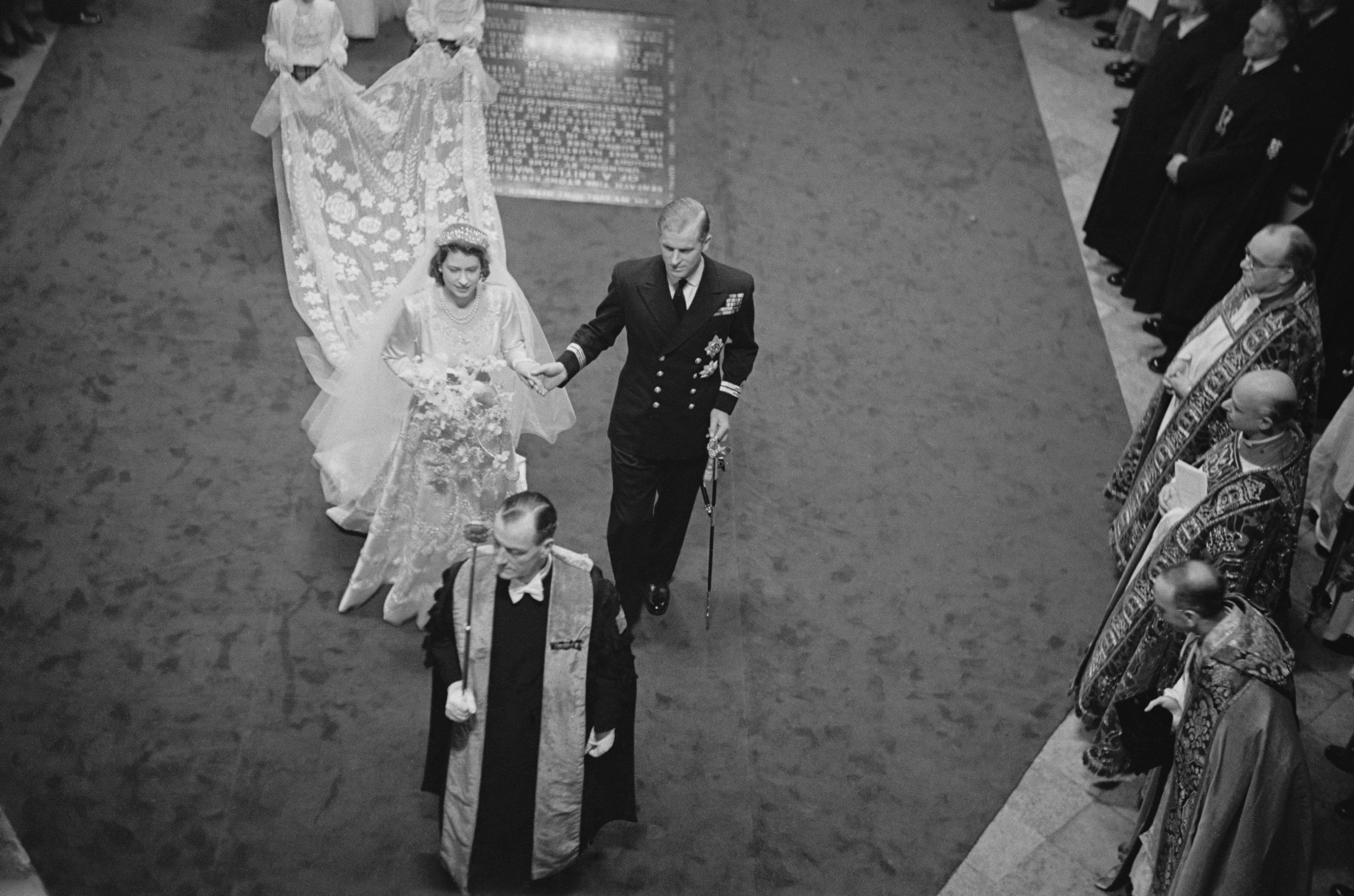 Queen Elizabeth wedding dress train