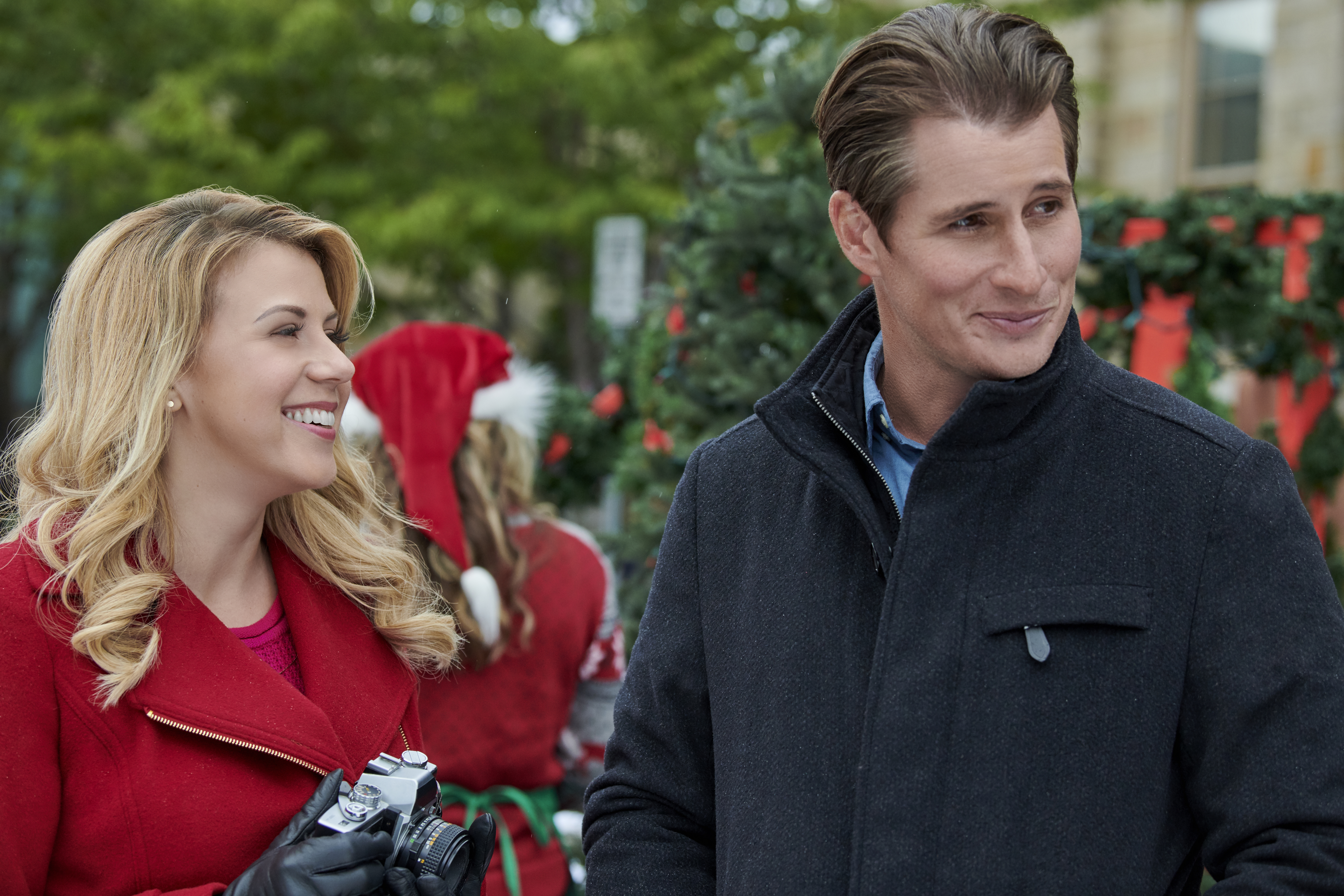 Cast of 'Entertaining Christmas'