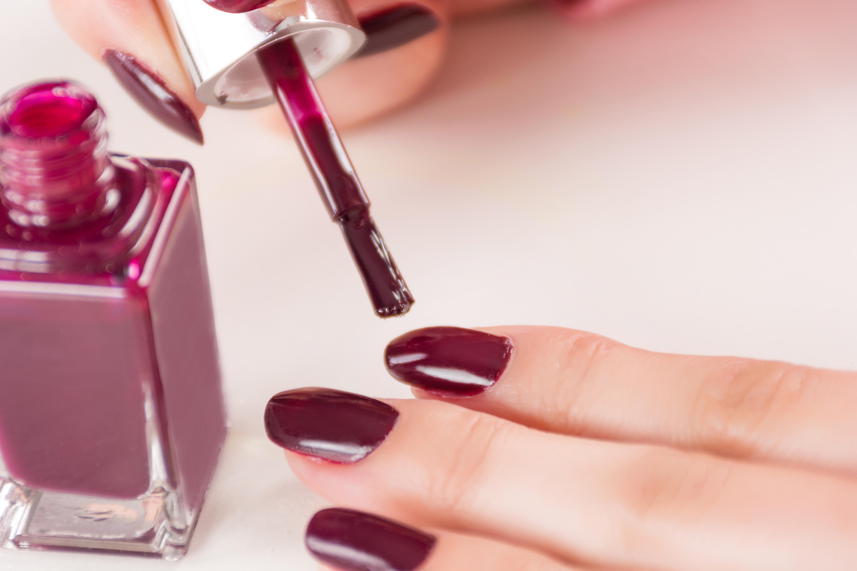 maroon manicure