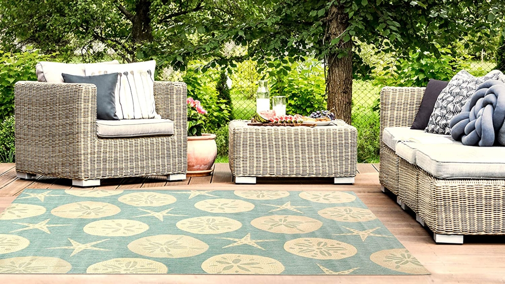 outdoor living room rug