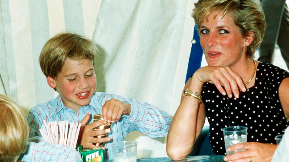 Princess Diana and young Prince William eating