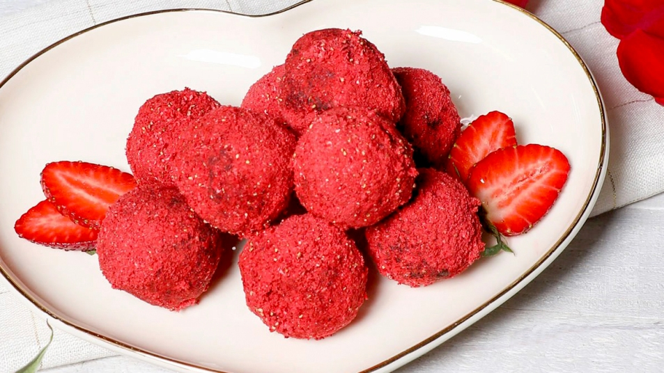 Chocolate strawberry truffles