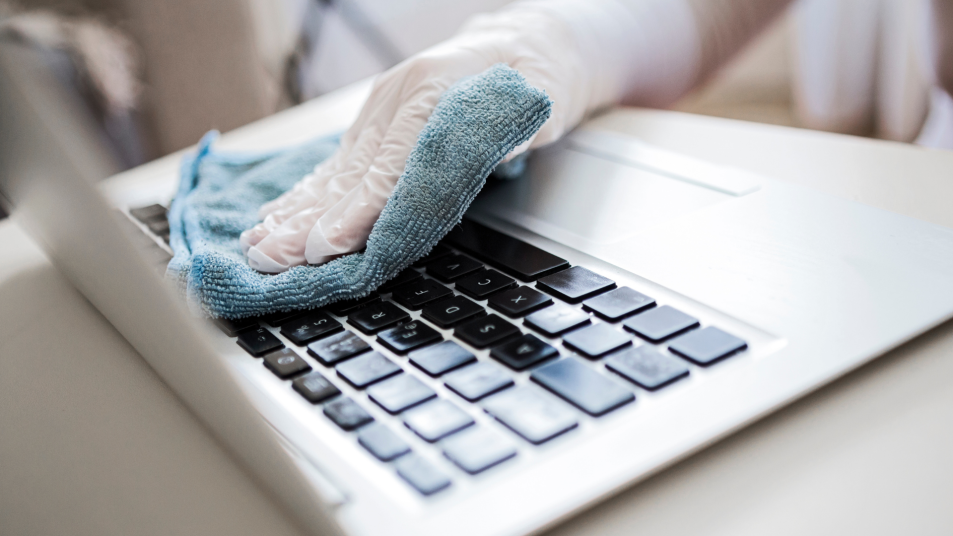 cleaning a computer keyboard