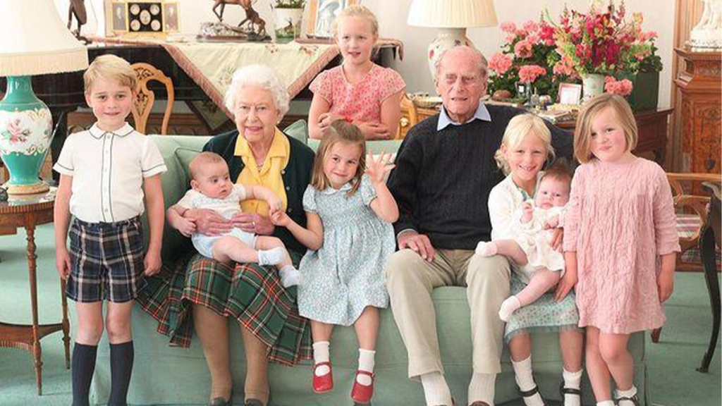 Royal family photo #2 (insert into body copy)