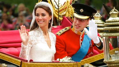 Prince William and Kate Middleton in a carriage on their wedding day