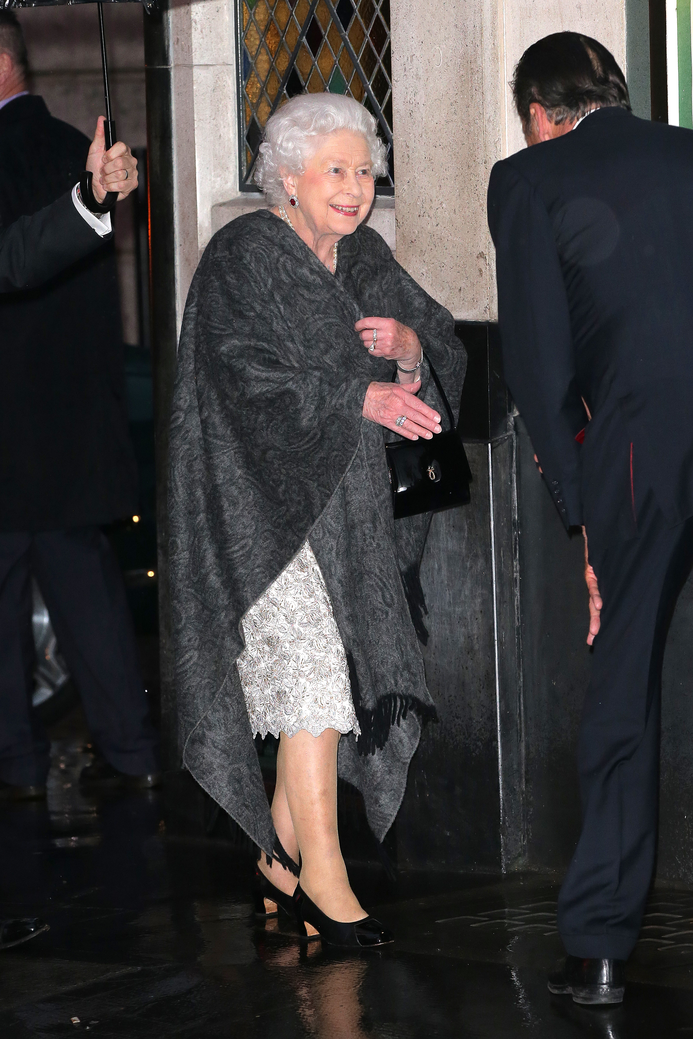 Queen Elizabeth The Ivy Outfit