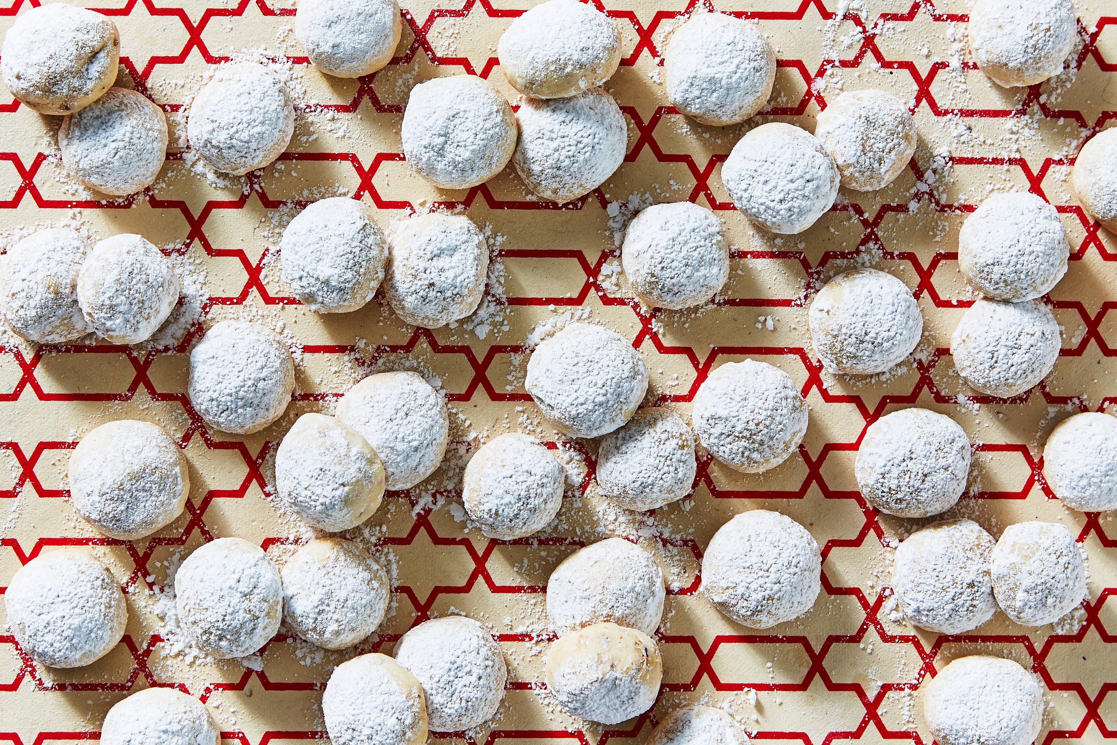 Martha Stewart Holiday Box: Noel Nut Balls