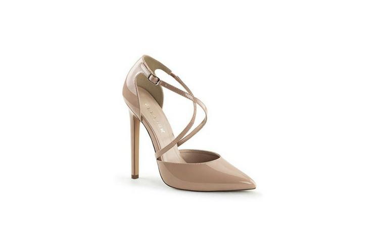 Meghan Markle shoes