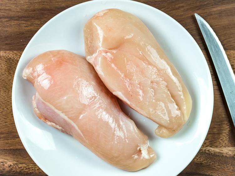 chicken with a white stripe