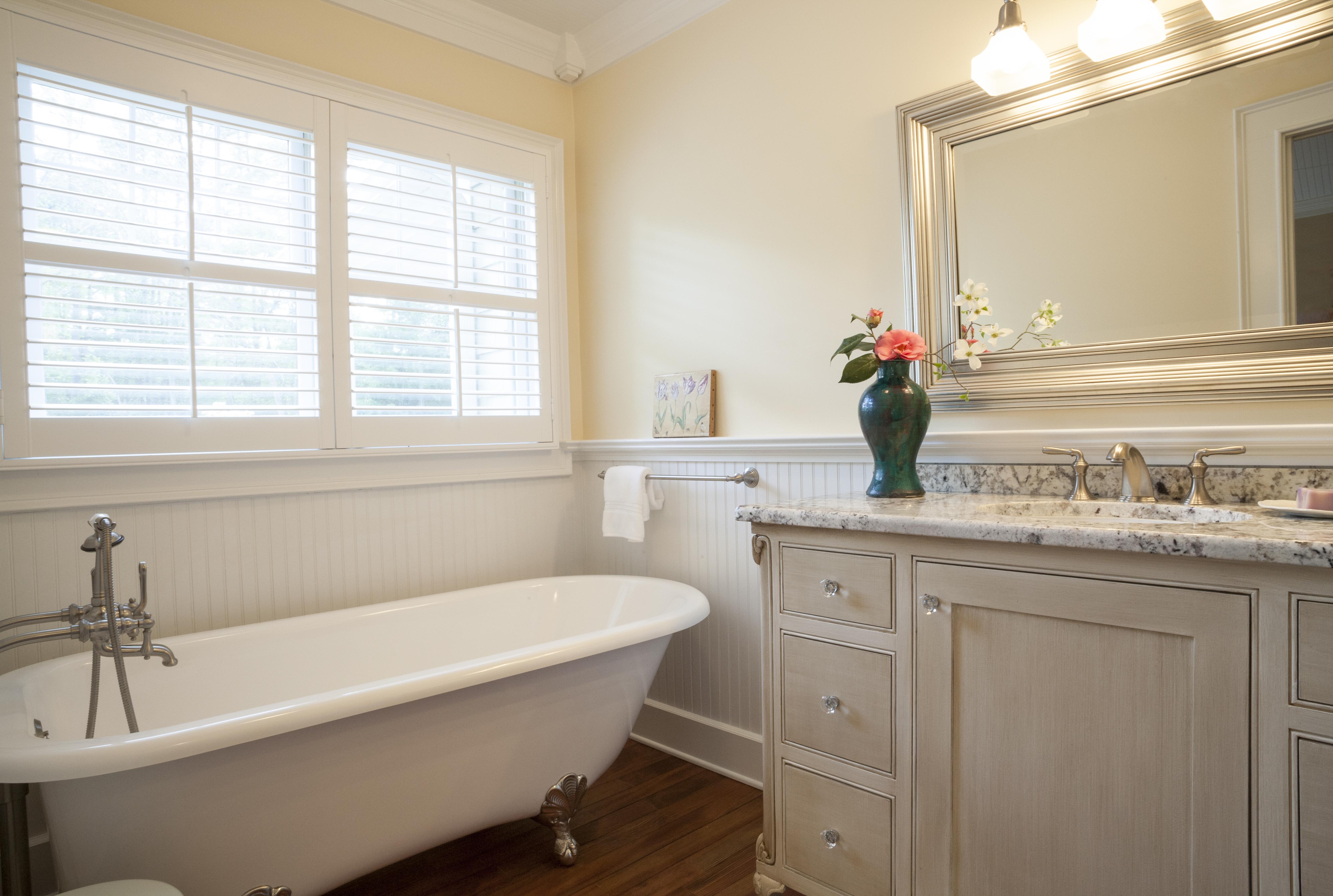 RvR Bathroom Getty Images