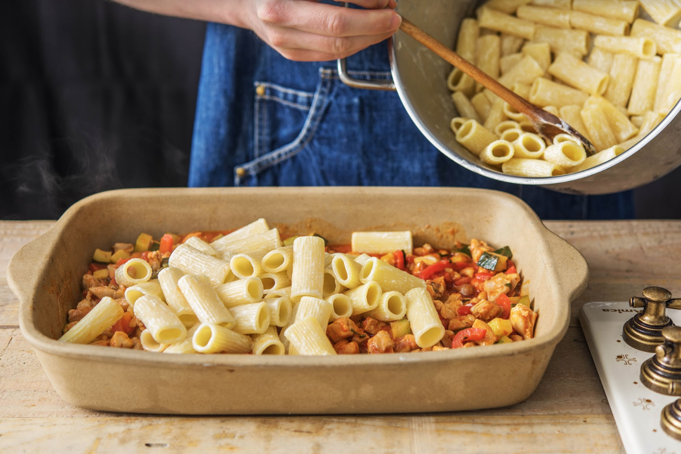 How to Reheat Pasta With Sauce