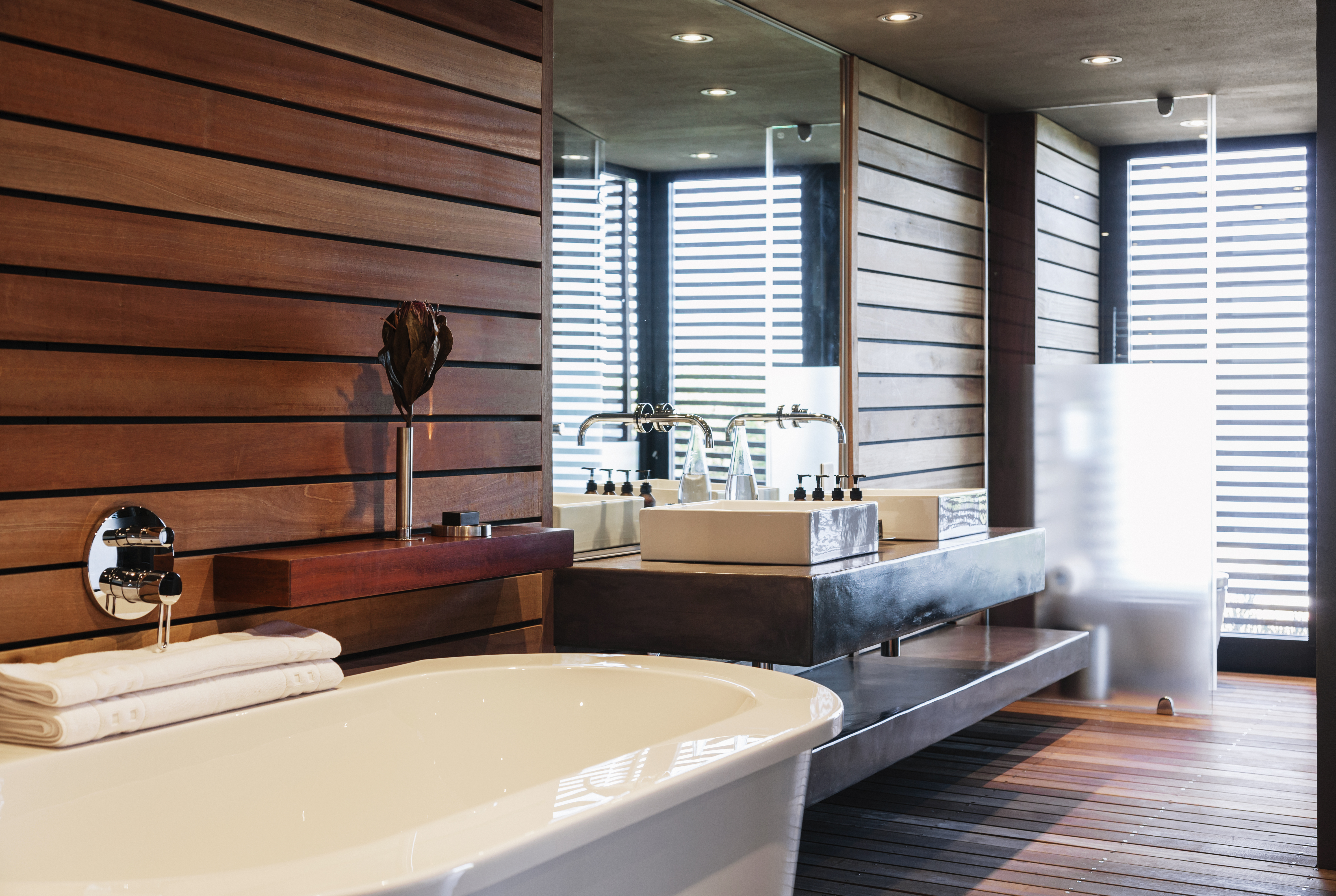 wood bathroom timber accents