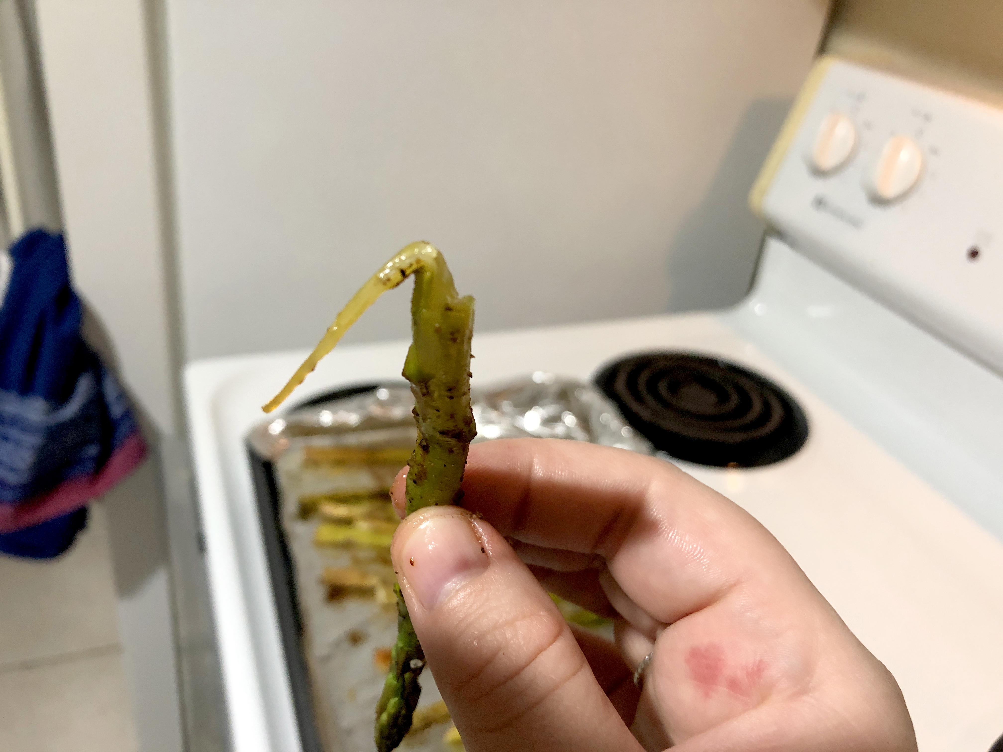 unpeeled asparagus